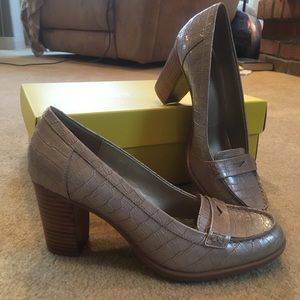 Loafer with heels size 7